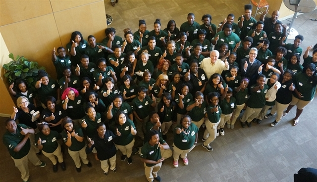 A photo of Mayor Barrett and EARN & LEARN participants