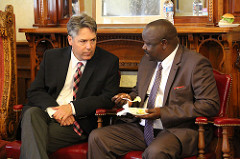 Council President Michael Murphy speaks with Bomet County Governor Isaac Ruto.