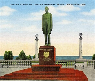 an old postcard illustration of the Lincoln Memorial Statue in its original placement