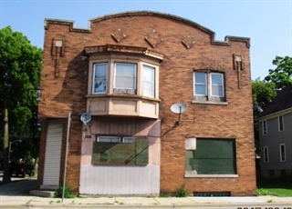 Commercial property at 3610& 3616 W Vliet St
