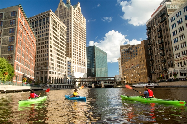 Kayaking photo by Sara Stathas, Visit Milwaukee